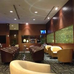 Photo taken at KrisFlyer Gold Lounge (Terminal 3) by Socola on 7/27/2012