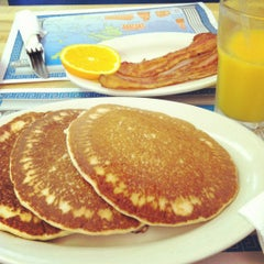 Photo taken at Grecian Island Restaurant by Clarissa A. on 5/17/2012