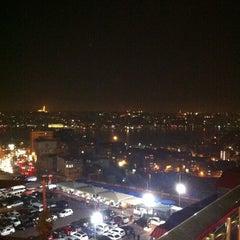 Photo taken at Büyük Londra Oteli by Ahmet A. on 5/4/2012