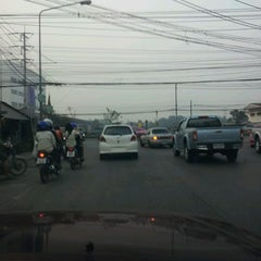 Photo taken at 3 แยก 109 by ♪♥★ⓒⓗⓐⓣⓒⓗⓐⓡⓘⓝ★♥♪ on 2/22/2012