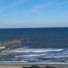Photo taken at Hilton Garden Inn Outer Banks/Kitty Hawk by Courtney W. on 12/9/2011