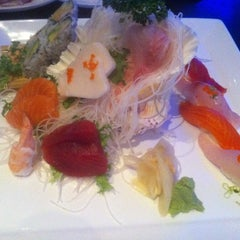 Photo taken at UMI Japanese Steakhouse & Sushi Bar by Livadas on 5/5/2011