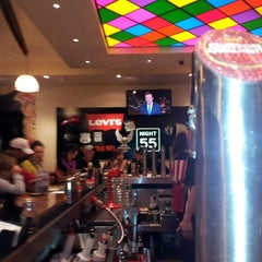Photo taken at TGI Friday's by Damien C. on 7/21/2012