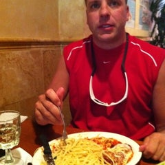 Photo taken at Uno Chicago Grill   Jersey City by Vincent C. on 9/16/2011