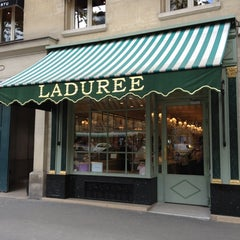 Photo taken at Ladurée by Choonghyun L. on 8/30/2012