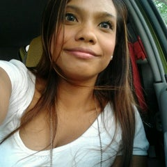 Photo taken at Blk 49 Stirling Road Carpark by 💋JuWieZy™ S. on 6/4/2012