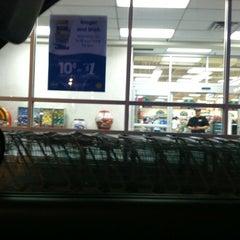 Photo taken at Kroger Food & Pharmacy by Sarah P. on 4/4/2011