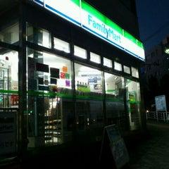 Photo taken at ファミリーマート 東陽町駅前店 by shunkit2 @. on 11/21/2011