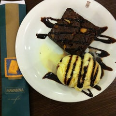 Photo taken at Havanna Café by Gustavo I. on 7/17/2011