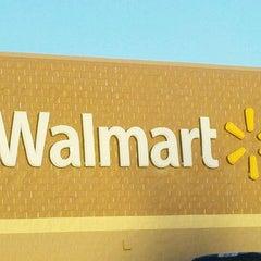 Photo taken at Walmart Supercenter by Shonda H. on 12/18/2011