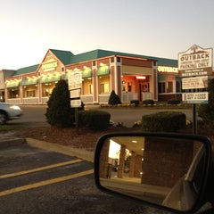 Photo taken at Outback Steakhouse by Jason W. on 4/2/2012