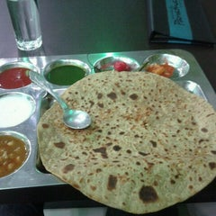 Photo taken at Golmaal Paratha by Praveen M. on 9/23/2011