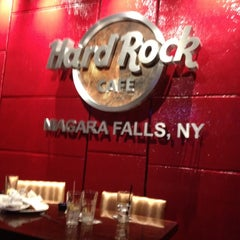 Photo taken at Hard Rock Cafe Niagara Falls USA by Ben Z. on 8/14/2012