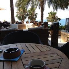 Photo taken at Columbia Beach Hotel by Juliya Z. on 7/9/2012