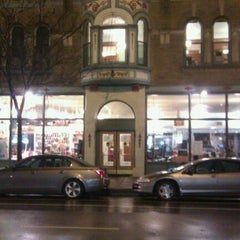 Photo taken at Old Town School of Folk Music by Rob K. on 11/9/2011