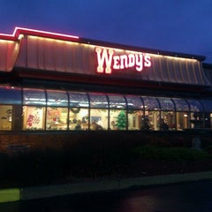 Photo taken at Wendy's by Jordyn Claire on 12/4/2011