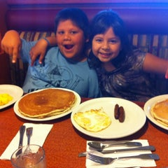 Photo taken at Broken Yolk Cafe by Joe S. on 5/4/2012