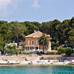Photo taken at Hotel Kredo by Tourist agency Turist, island Losinj, Veli Losinj on 3/20/2012