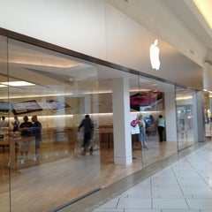 Photo taken at Apple Store, International Plaza by David S. on 4/14/2012