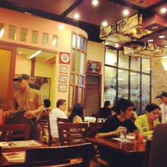 Photo taken at Bigby's Cafe & Restaurant by Lex M. on 3/31/2012