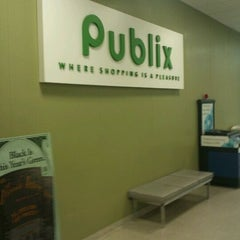 Photo taken at Publix by Gilbert F. on 5/28/2012