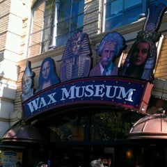 Photo taken at Wax Museum at Fisherman's Wharf by Vivek on 7/29/2012