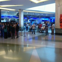 Photo taken at Los Molinos Centro Comercial by Fredy B. on 8/4/2012