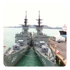 Photo taken at เรือหลวงจักรีนฤเบศร (HTMS Chakri Naruebet) by New A. on 6/8/2012