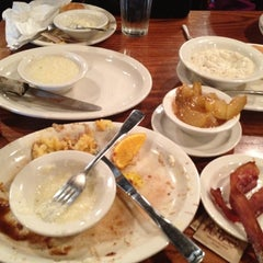 Photo taken at Cracker Barrel Old Country Store by Justin R. on 4/29/2012