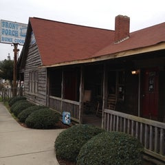 Photo taken at The Front Porch Restaurant by Rodney A. on 2/10/2012