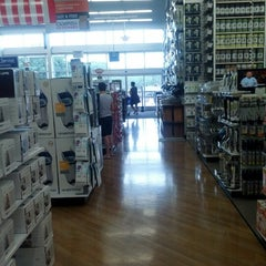 Photo taken at Bed Bath & Beyond by ALEX S. on 6/30/2012