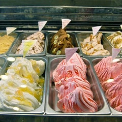 Photo taken at Morelli's Gourmet Ice Cream by Creative Loafing Atlanta on 2/24/2012