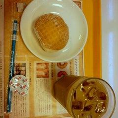 Photo taken at ミスタードーナツ JR熊本ショップ by Mihou N. on 7/23/2012