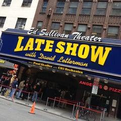 Photo taken at Ed Sullivan Theater by Johannes W. on 4/10/2012