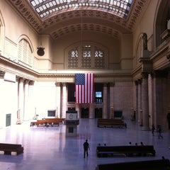 Photo taken at Chicago Union Station by Nii A. on 8/31/2012