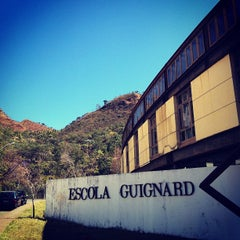 Photo taken at Escola Guignard by Fabio Y. on 8/22/2012