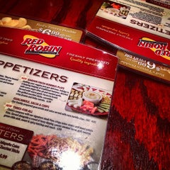 Photo taken at Red Robin Gourmet Burgers by Jonathan P. on 6/25/2012