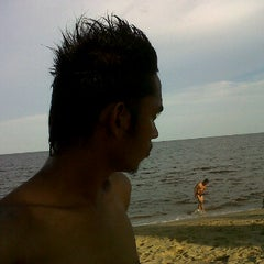 Photo taken at Pantai ujung pandaran by Ferdinan N. on 5/28/2012