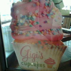 Photo taken at Gigi's Cupcakes by Jessika V. on 7/13/2012