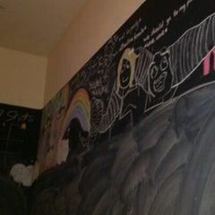 Das Foto wurde bei Le Shot Bar von Danue J. am 4/20/2012 aufgenommen