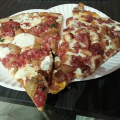Photo taken at It's a Pizza by Kino on 8/22/2012