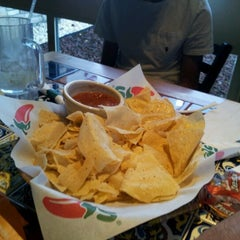 Photo taken at Chili's Grill & Bar by Clinton™ on 3/23/2012