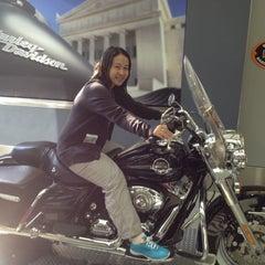 Photo taken at Windy City Harley-Davidson by พี่สาว แ. on 5/18/2012