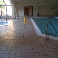 Photo taken at Courtyard by Marriott Syracuse by Cristhian B. on 7/10/2012