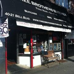 Photo taken at 3BROS Butcher BBQ by Edwin U. on 5/22/2012