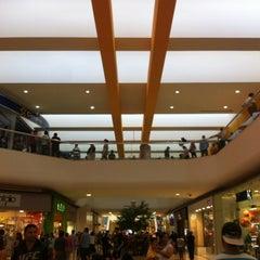 Foto tomada en Galerías Monterrey por Vic V. el 6/16/2012