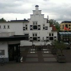 Photo taken at Van der Valk Hotel Leiden by Madelien S. on 5/5/2012