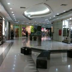 Photo taken at Shopping Jaraguá by Ricardo M. on 5/29/2012