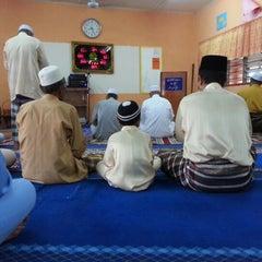 Photo taken at Masjid Kampung Batu Matang by Jimon R. on 8/19/2012