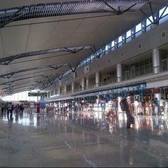 Photo taken at Da Nang International Airport (DAD) Sân bay Quốc tế Đà Nẵng by Ba L. on 8/1/2012